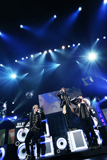 "w-inds. w-inds. 「w-inds. LIVE TOUR""AWAKE""at 日本武道"