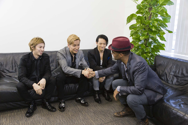 w-inds.&エリック・ベネイ w-inds.の33枚目のシングル「夢で逢えるのに~Somet