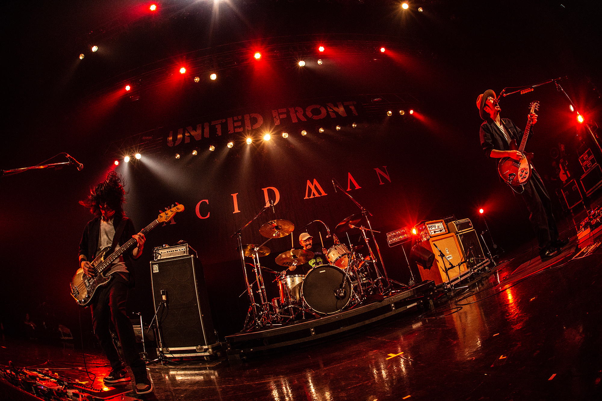 ACIDMAN@Dragon Ash LIVE TOUR 「UNITED FRONT」 photo by TAKAHIRO TAKINAMI