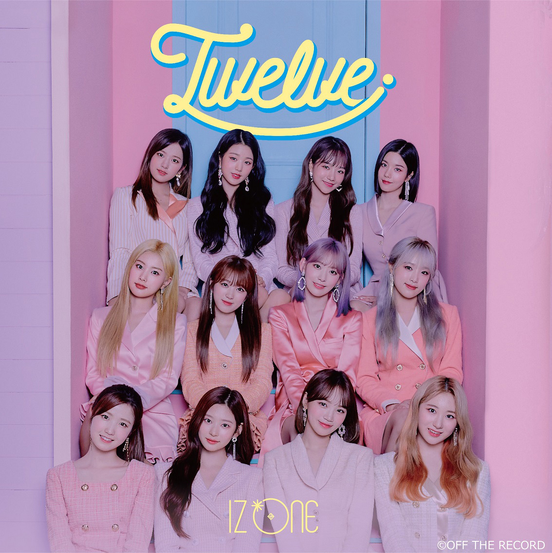 IZ*ONE 日本1stアルバム「Twelve」【WIZ*ONE盤】©OFF THE RECORD